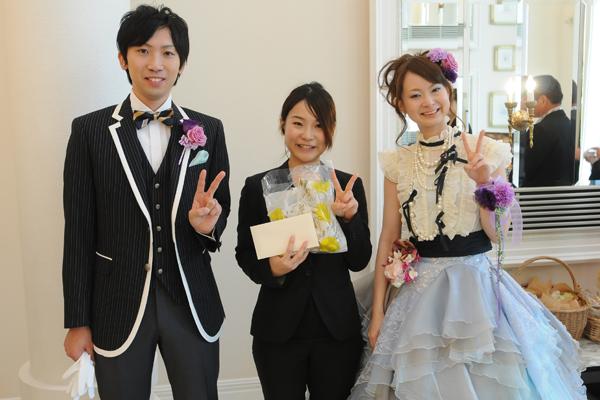 最後にお世話になった鈴木さんへプレゼントのサプライズ!