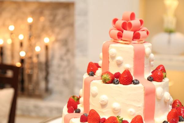 大好きなリボンの乗ったウエディングケーキ。美味しかった〜(・∀・)