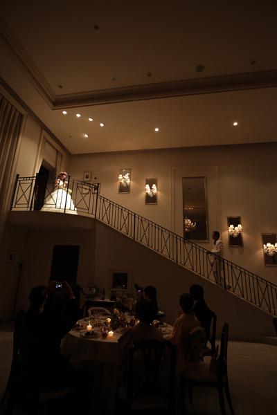 お色直しの入場は、やりたかった大階段から