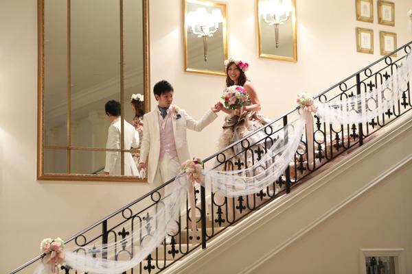 階段から入場!お姫様気分