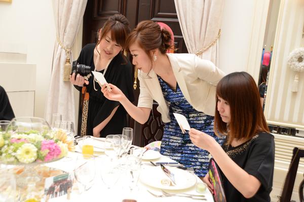 各テーブルにも、みんなとの思い出の写真♪
