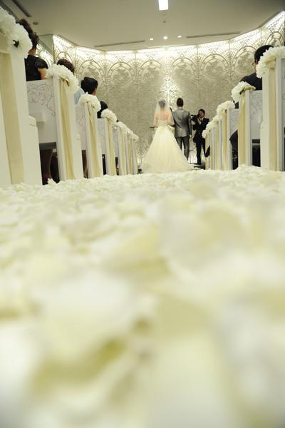 chapelで☆イメージ通りの花絨毯☆