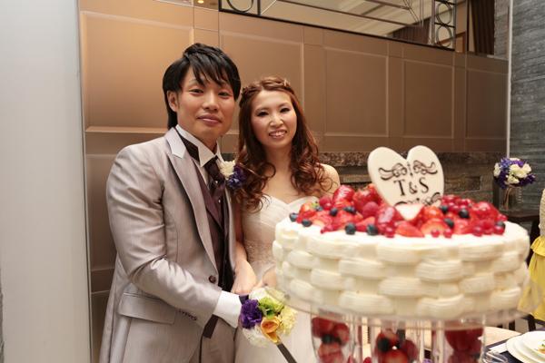 LOGOにこだわったウェディングケーキ☆