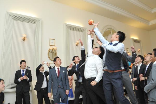 男の子たちには2人の想いが詰まったバスケットボールトスを