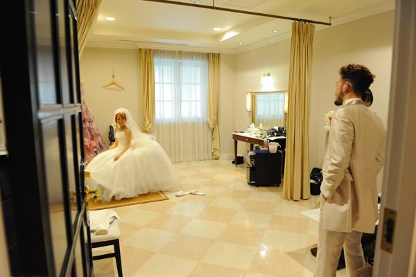 挙式のドレスとタキシードはお互い内緒にしておいて当日初対面。なんか照れました。