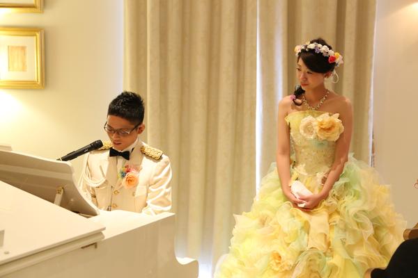 旦那がピアノ演奏をサプライズで弾いてくれました♪内緒で会場に練習にも来ていたとのこと・・・感動しました。