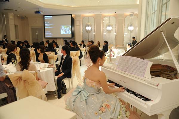 サプライズでピアノ演奏
