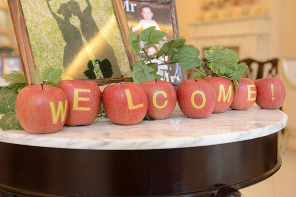 みなさんを迎えるのも特製WELCOMEりんご。いい香りで味もおいしい♪