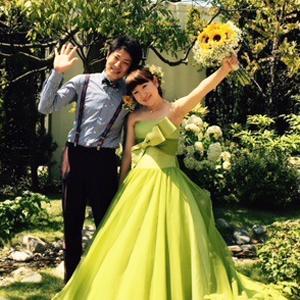 お二人の想い出の「どんぐり」と 自然の中で自然体で楽しむ結婚式
