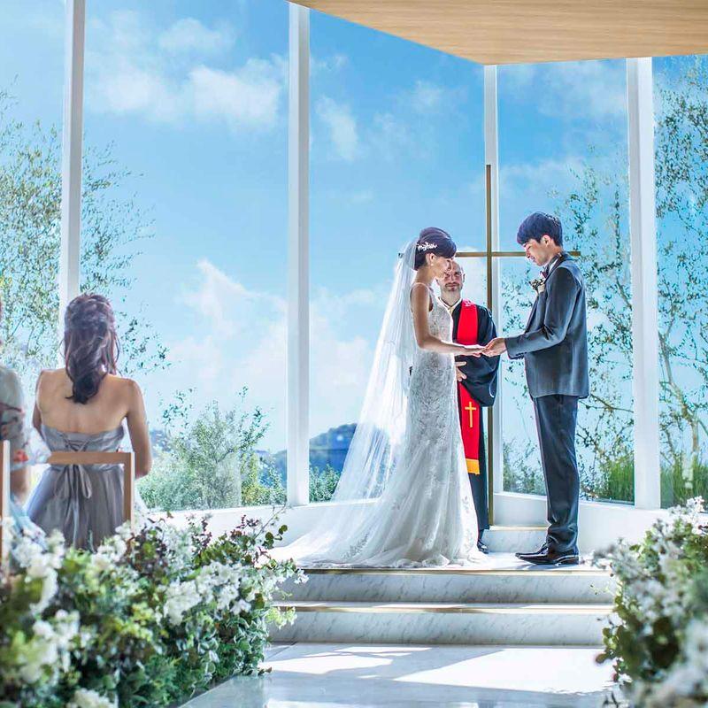 初めて見学でシンデレラのガラスの靴&ドレス10万円OFFのチャンス!