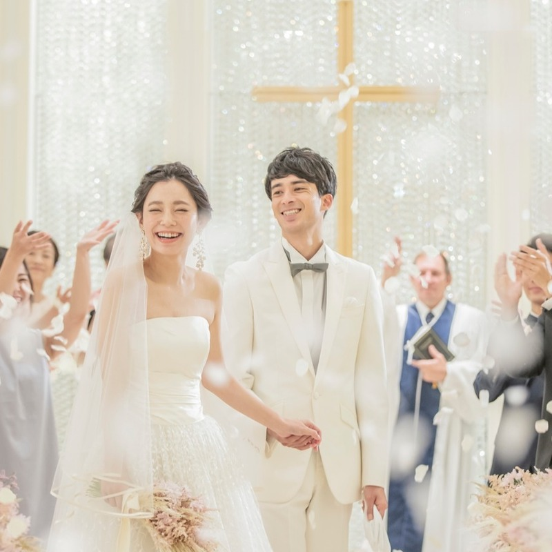 最大20%OFF+さらに写真集17万円OFF ■WEEKDAY WEDDING プラン 平日限定 披露宴総額より20%OFF!!(追加オプション等すべて対象)