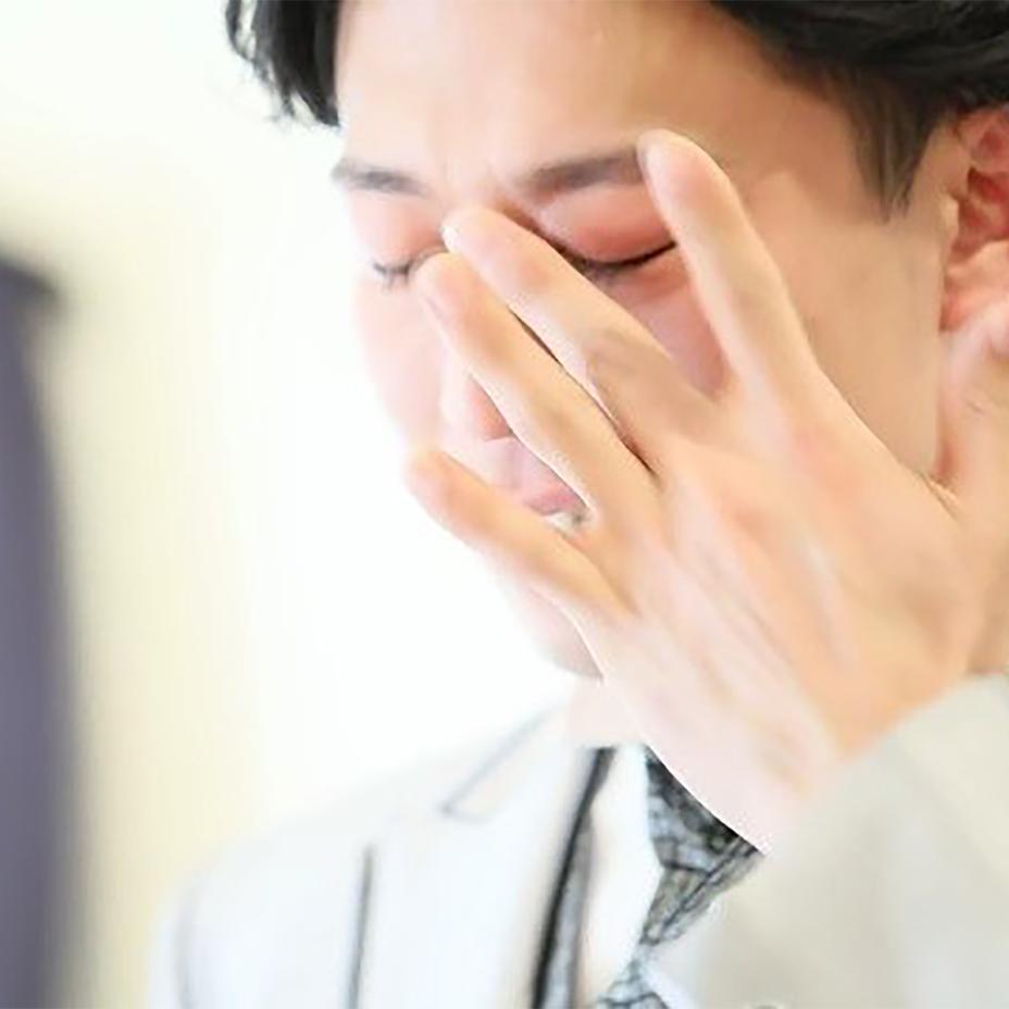 【感動の男泣き】言葉にできない想いが溢れ出た! 新郎の涙