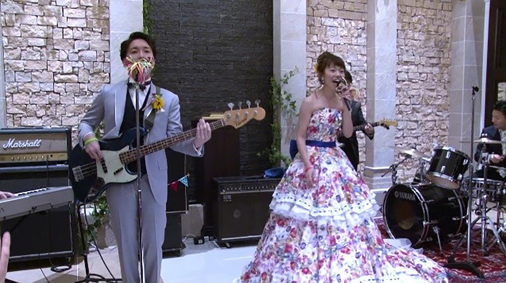 まさかのオープニングサプライズ! おふたりらしさが溢れた結婚式