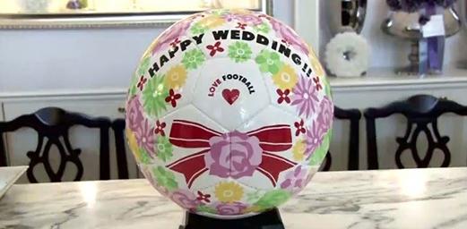 【ユニーク結婚式】サッカーで結ばれたおふたりの結婚式のテーマとは!?