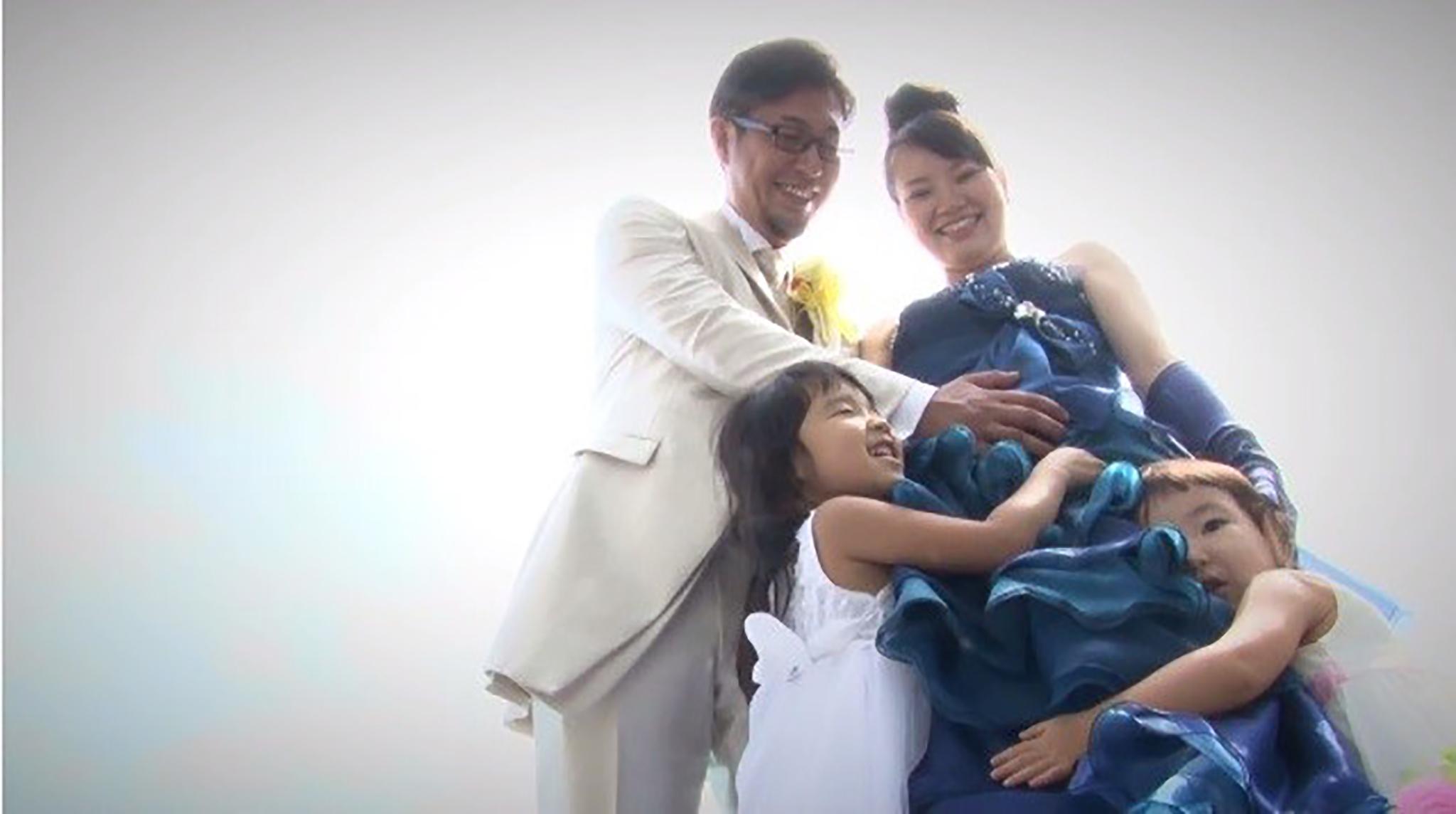 温かい涙が溢れる! 5人で迎える絆の結婚式